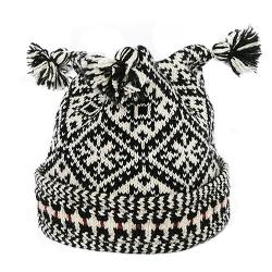 Kihnu mustriga müts